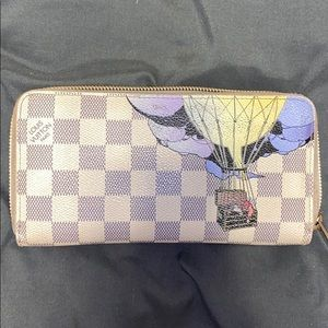 Louis Vuitton illustrated zippy wallet